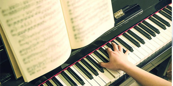 Three Reasons Why Choir Singers Should Learn an Instrument